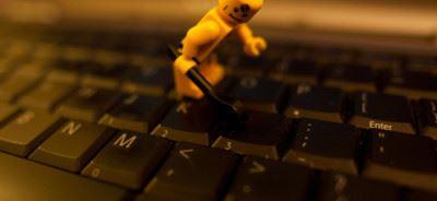 лаптоп лего човече