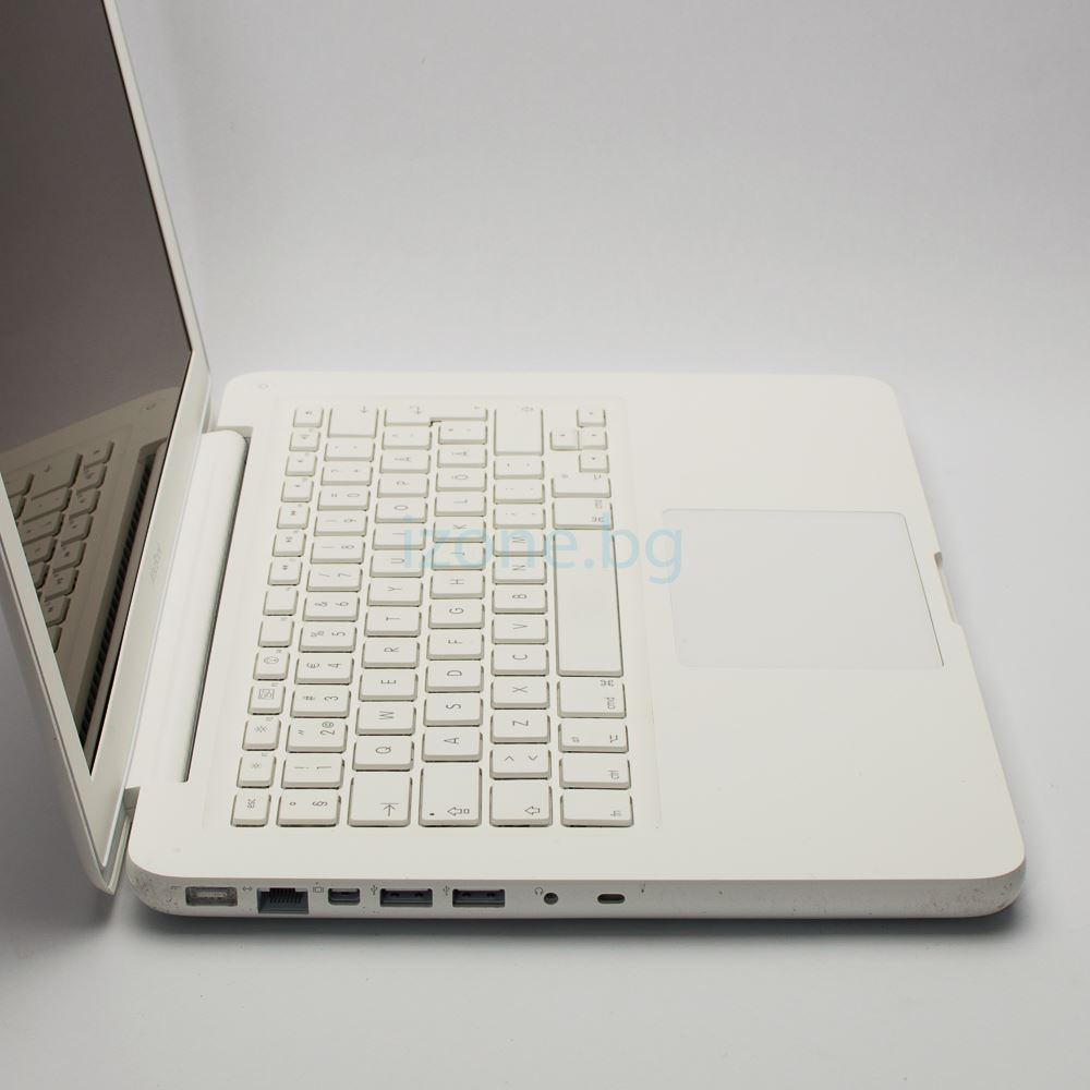 Apple MacBook 7.1 A1342 – 7946