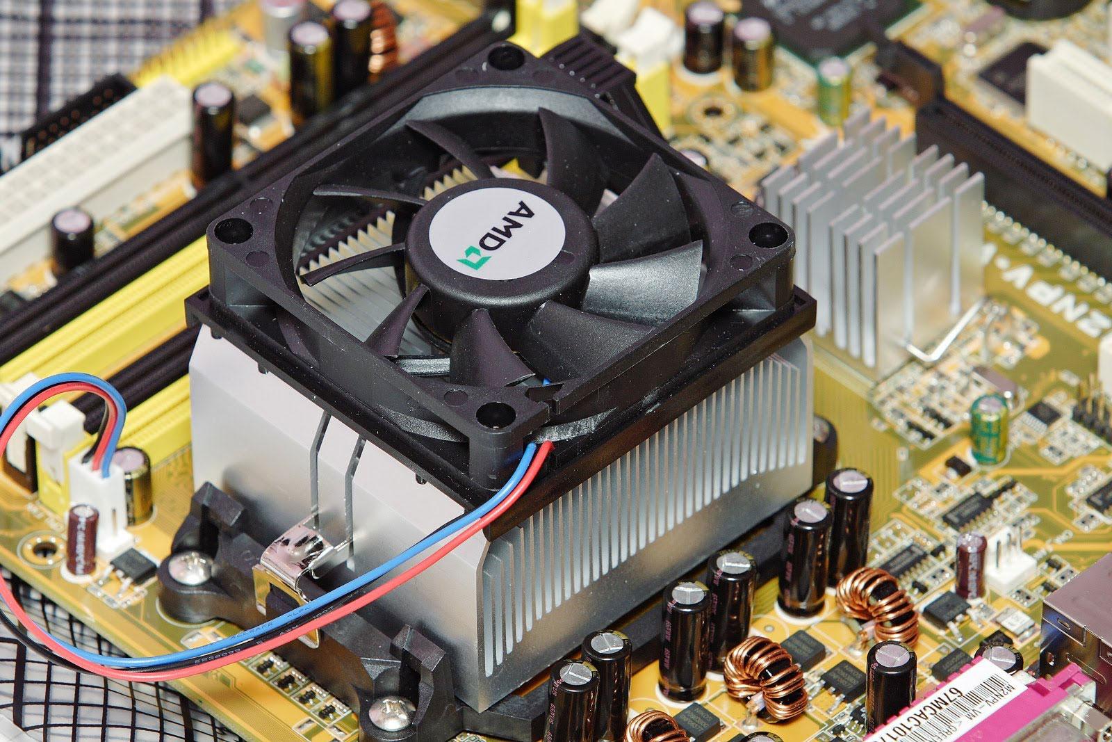 Почему компьютер выключается или перезагружается - 10892