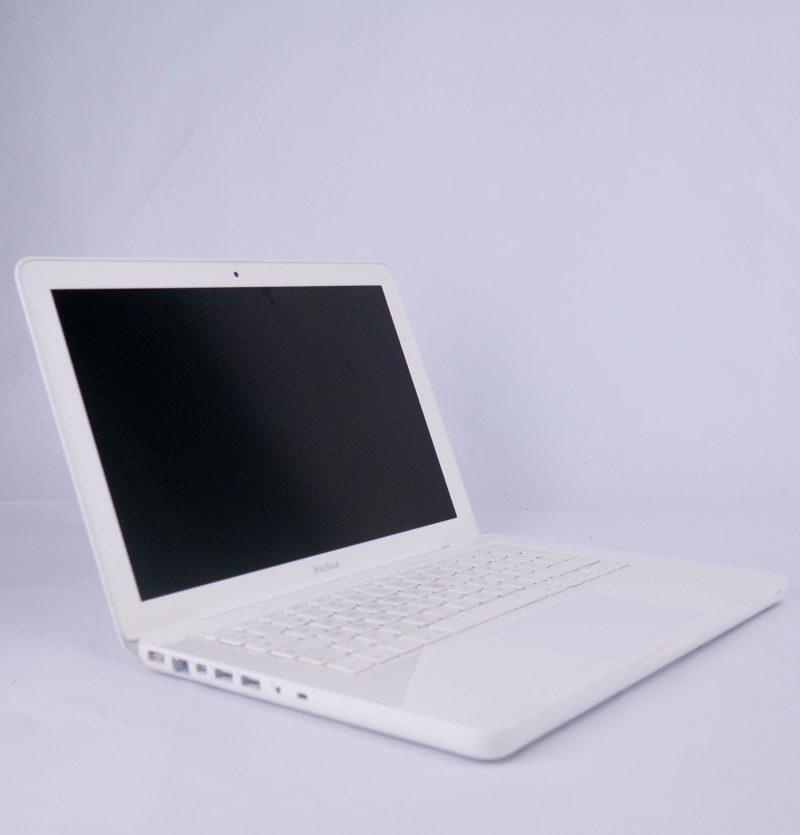Apple MacBook White Late 2010 – 13200