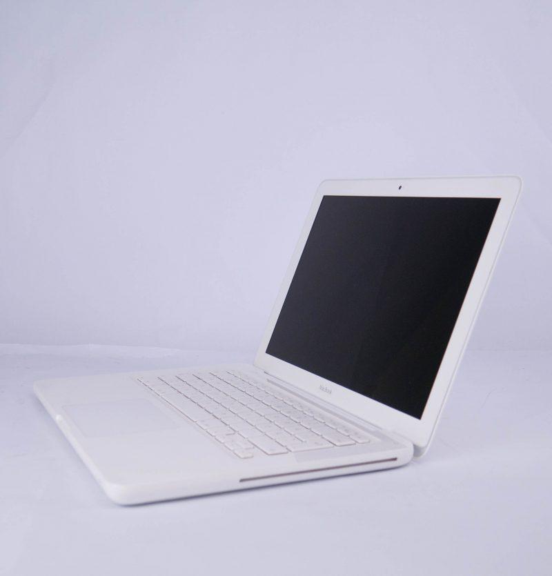 Apple MacBook White Late 2010 – 13201