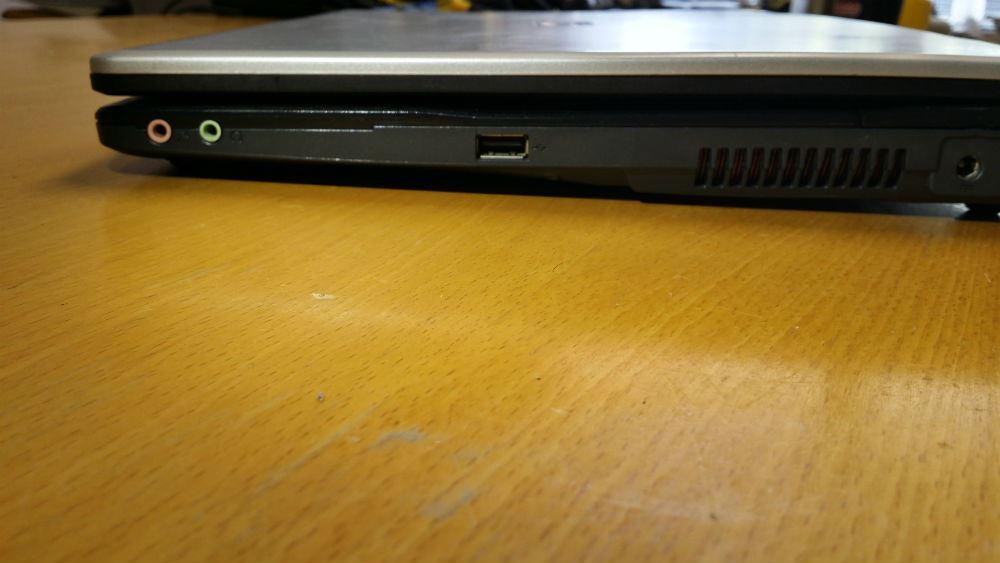 Fujitsu-Siemens Amilo Li 1705 – 3028